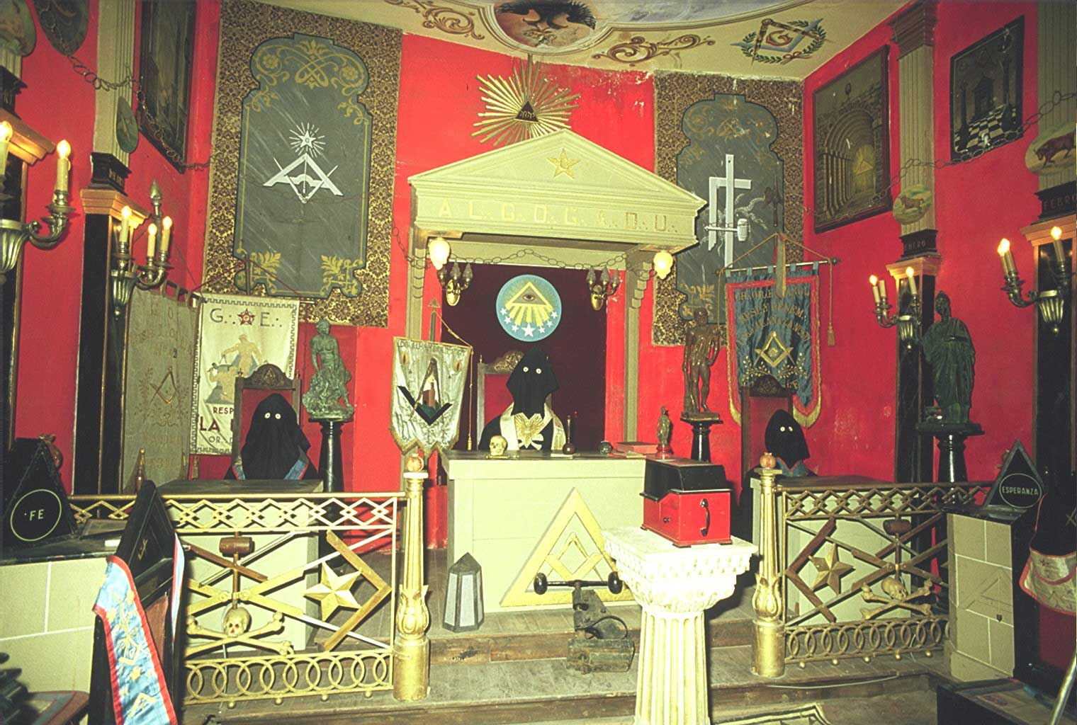 Masoneria En Asturias Salamanca # Muebles Rogelio Gurrea
